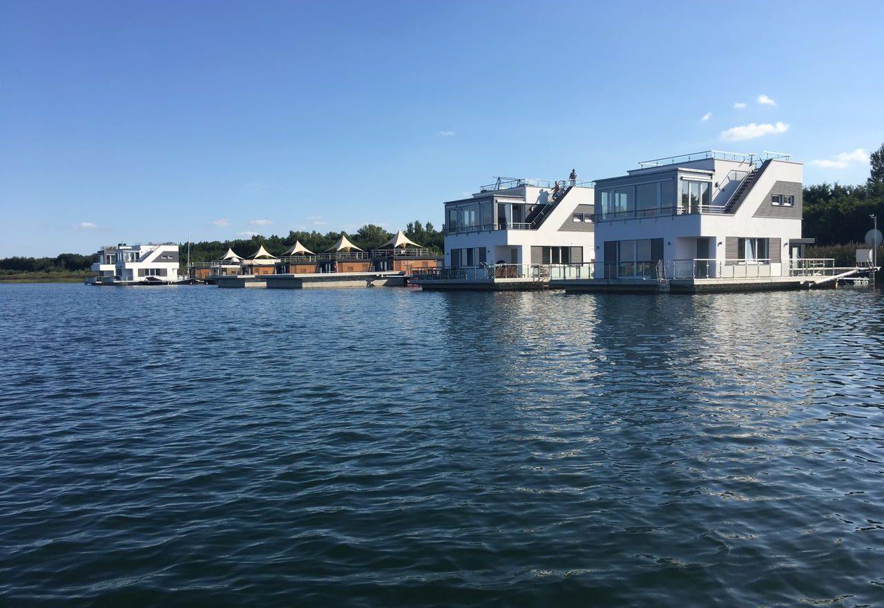 floating140-goitzsche-resort